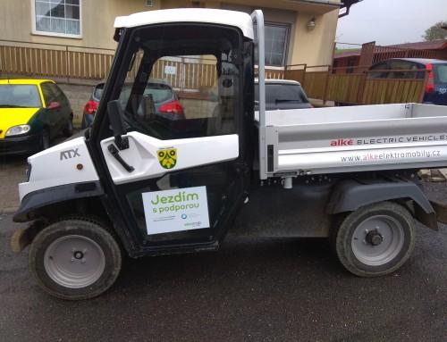 Obec pořídila malý nákladní automobil díky dotaci MŽP